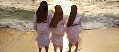 nuns_on_beach