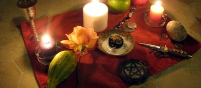 'Samhain Altar' by Denise, via Flickr. Some rights reserved.